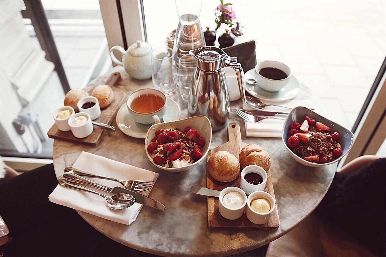 Frukost på Strandvägen 1