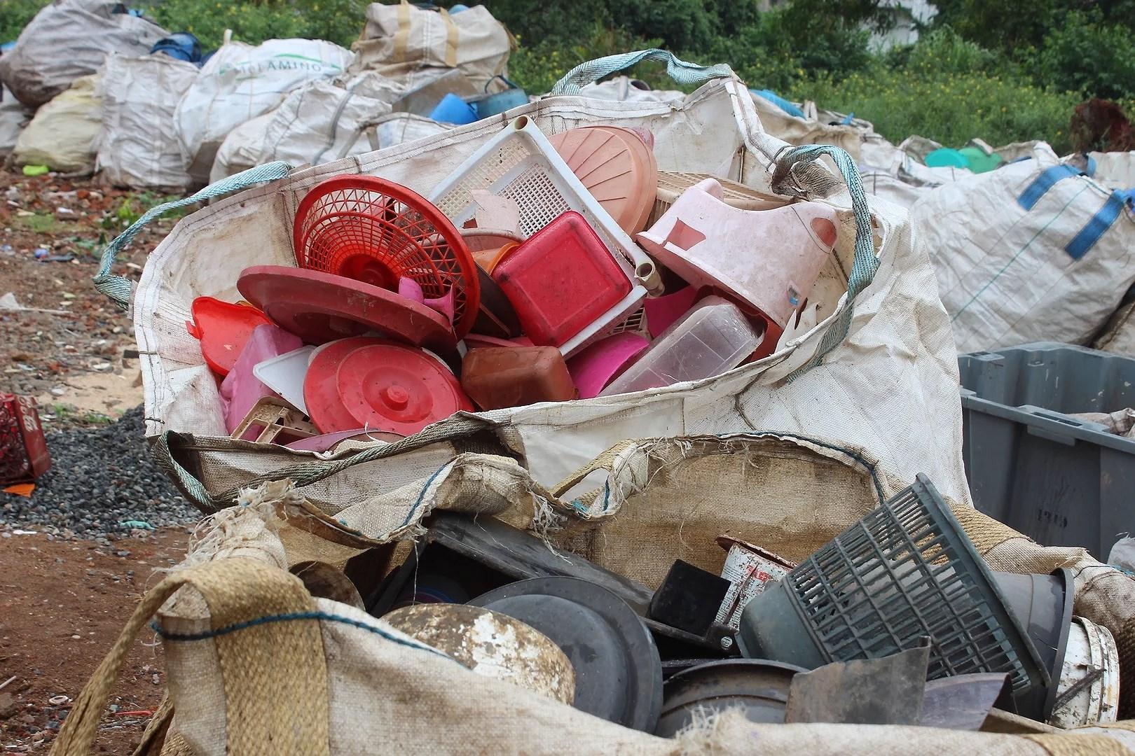 Plaståtervinning - Plastics recycling
