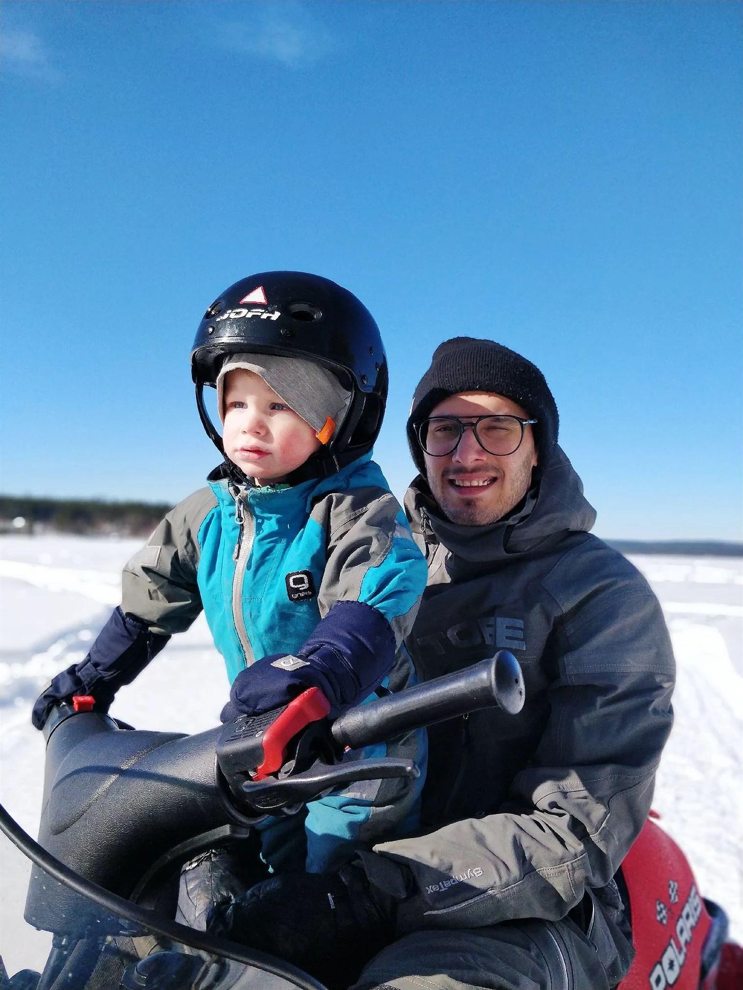 BILDBOMB ANNANDAG PÅSK