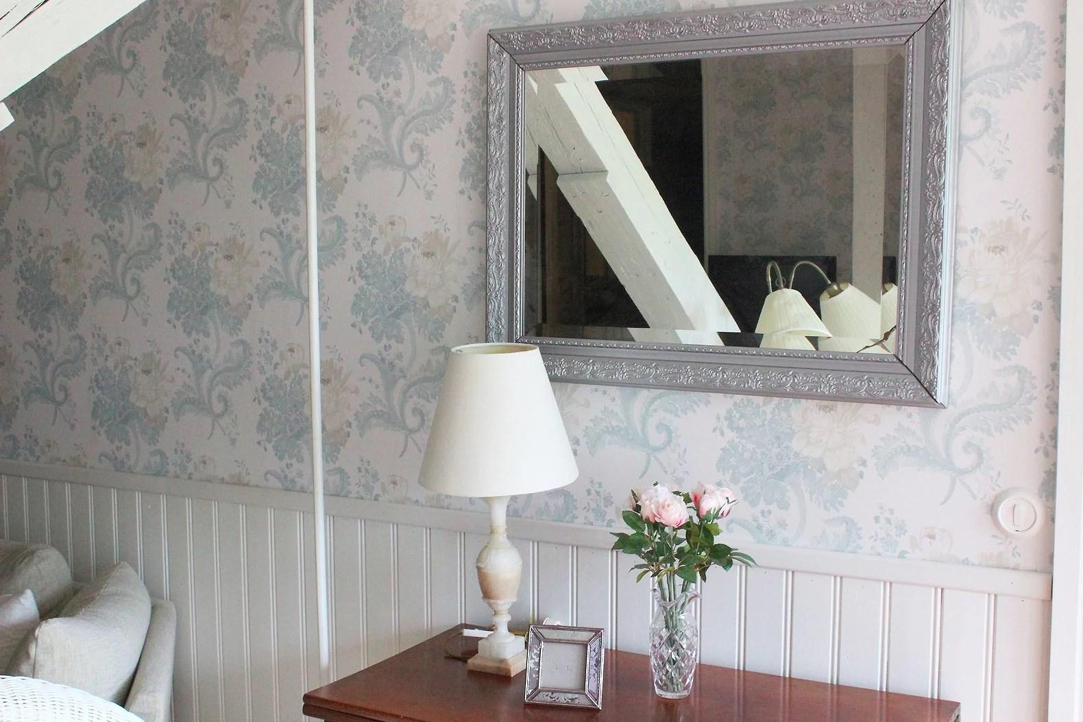 Målar om spegel