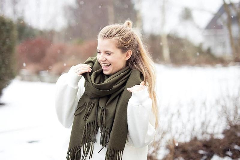 krist.in snø karmøy vestlandet skjerf acne armygreen
