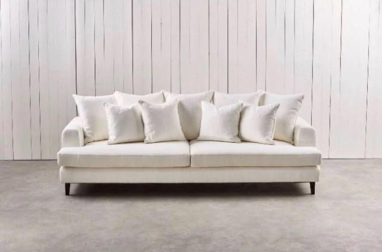Tillbaka till vit soffa igen.