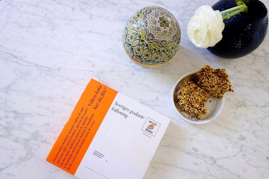 En tårta på posten, på riktigt!