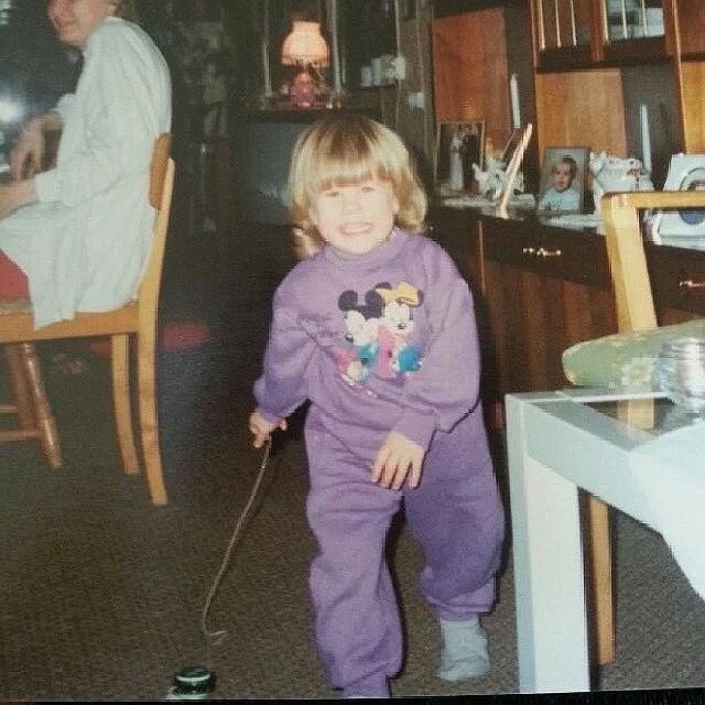 14. En bild på mig som liten