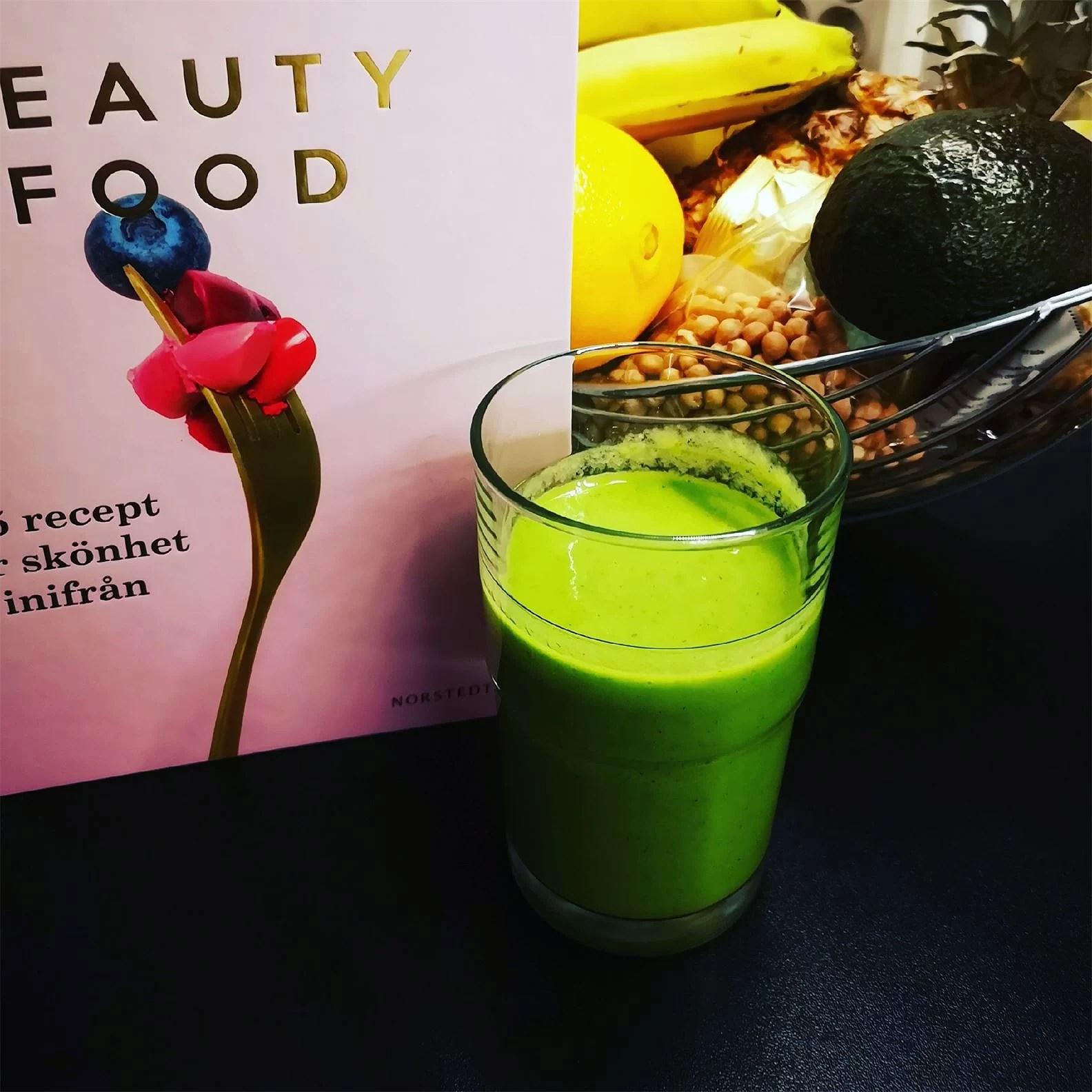Super healthy vegan smoothie