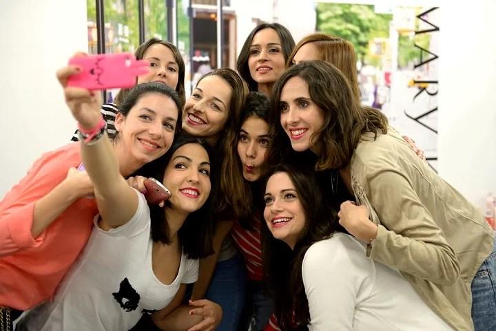 Selfie Bloggers
