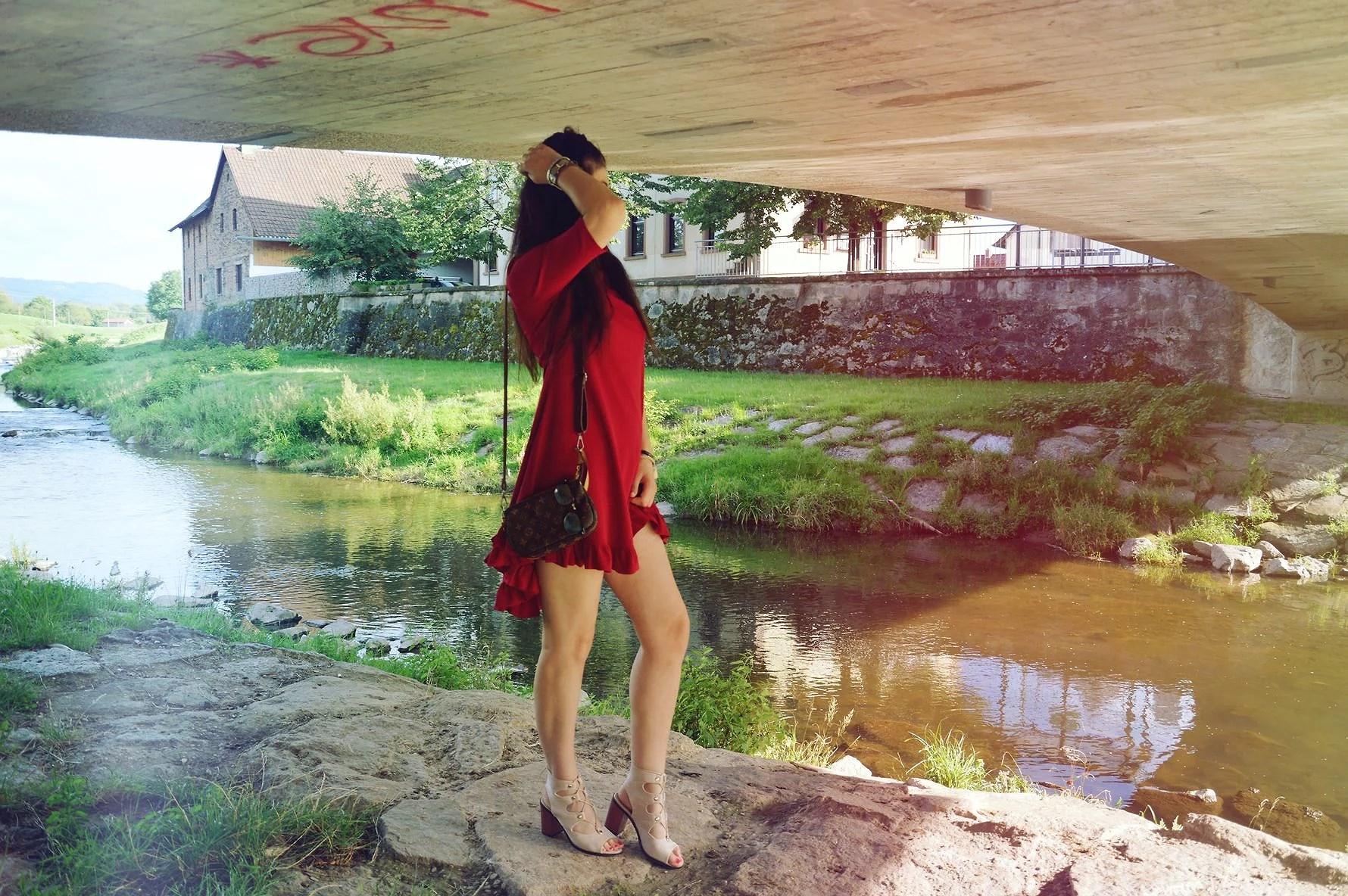 Red dress - Czerwona sukienka