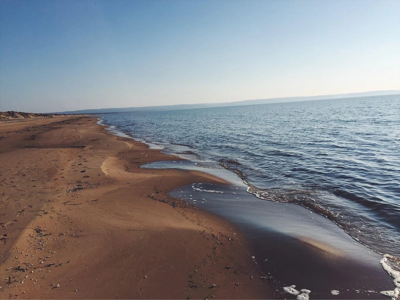 Strandpromenix i vårvädret