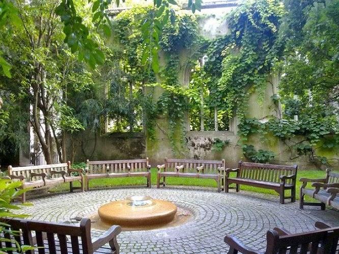 st dunstans garden, London