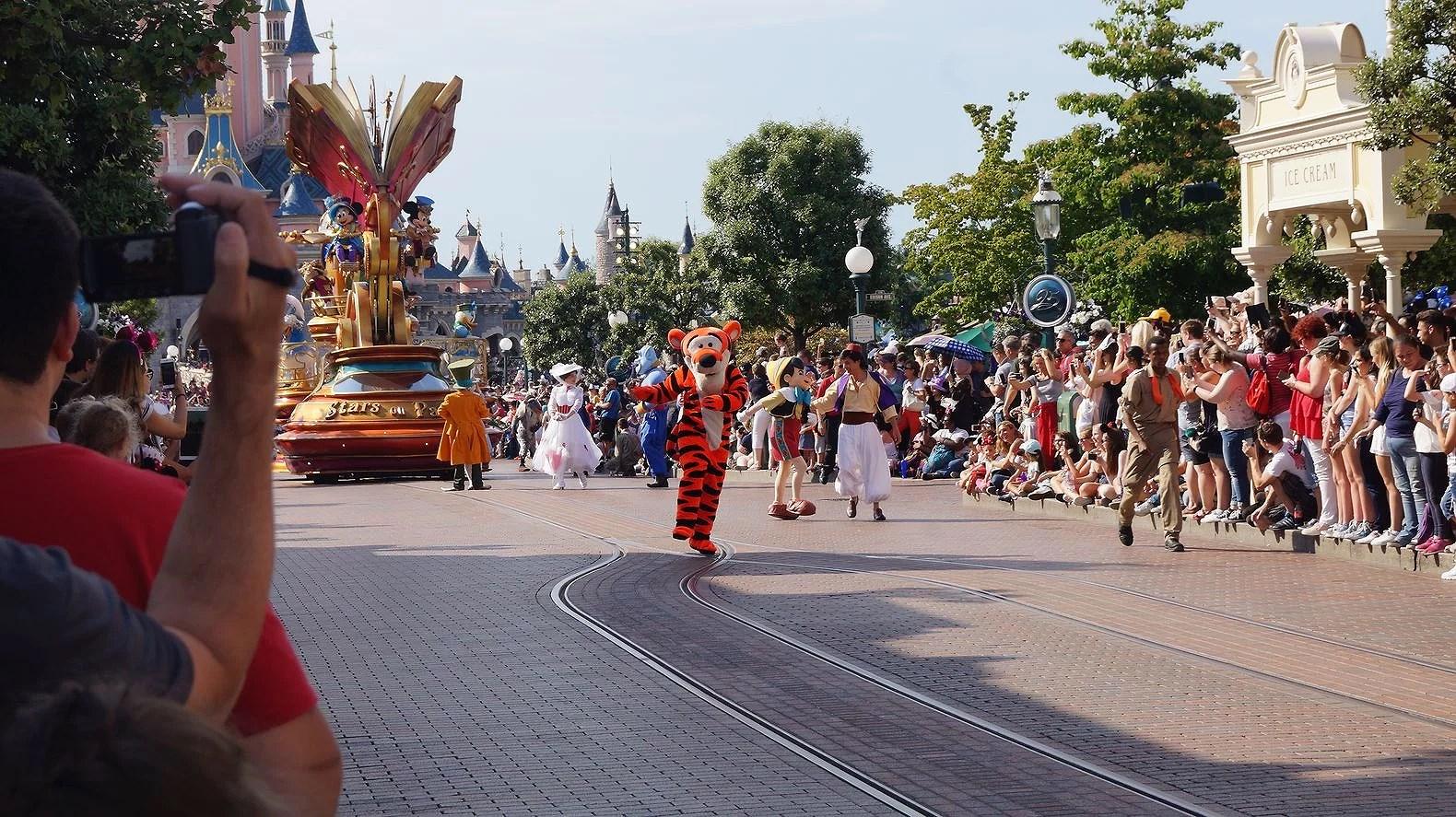Du kan inte köpa tuggummi på Disneyland Paris eller i andra Disneyparker