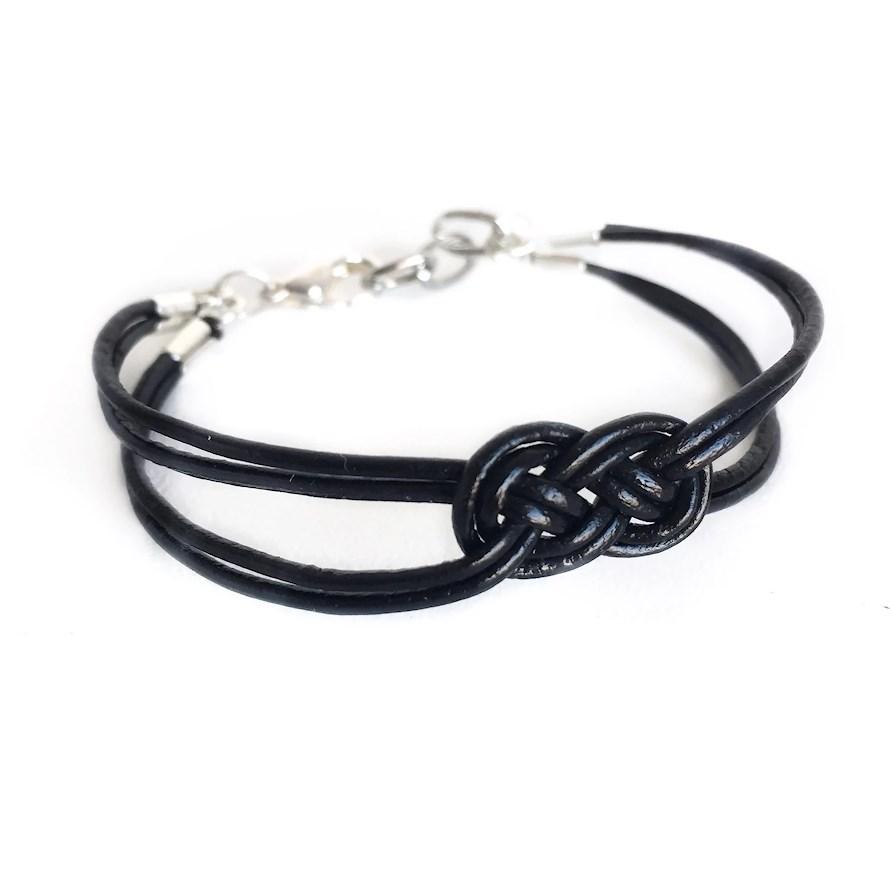 DIY-armband i läder med en fin knop som du fixar lätt själv!
