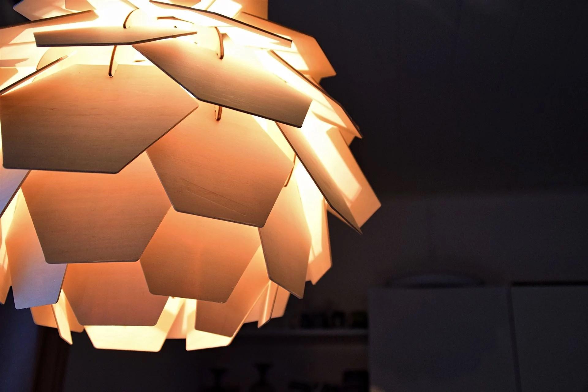 äntligen en taklampa till vårt kök!