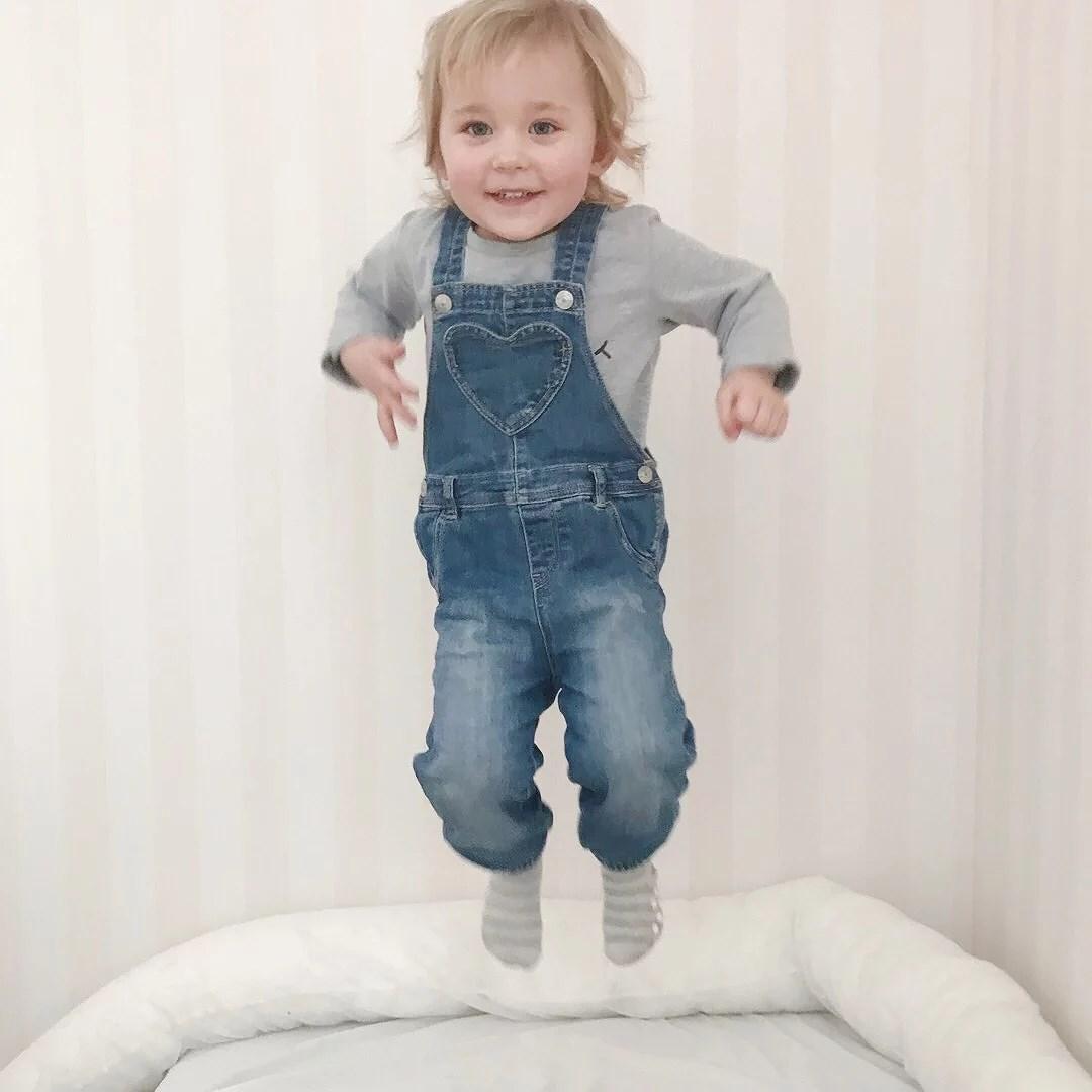 Alicia 2 år och 5 månader