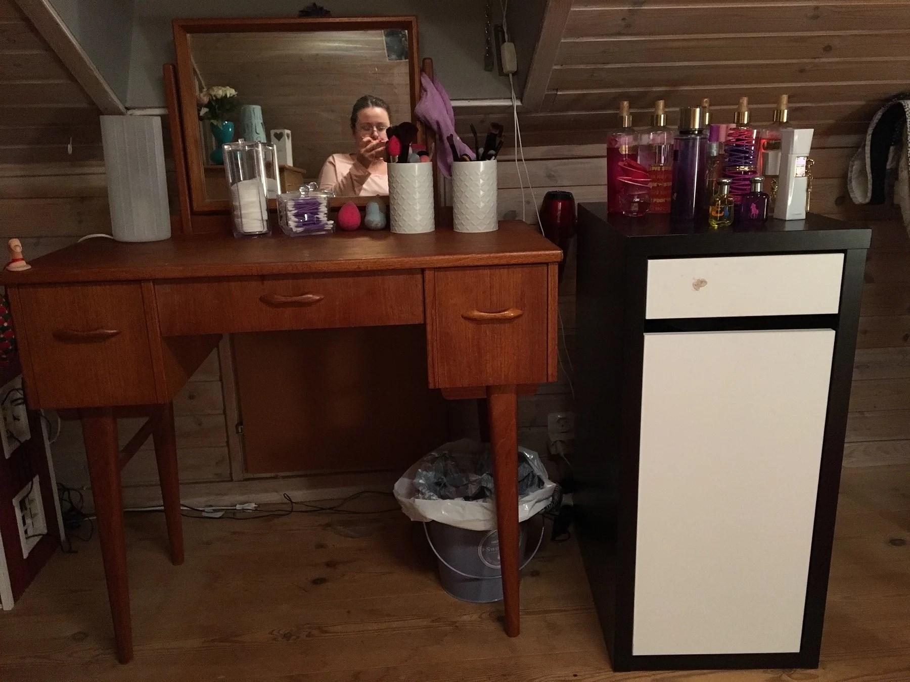 Hur har jag organiserat mitt sminkbord?