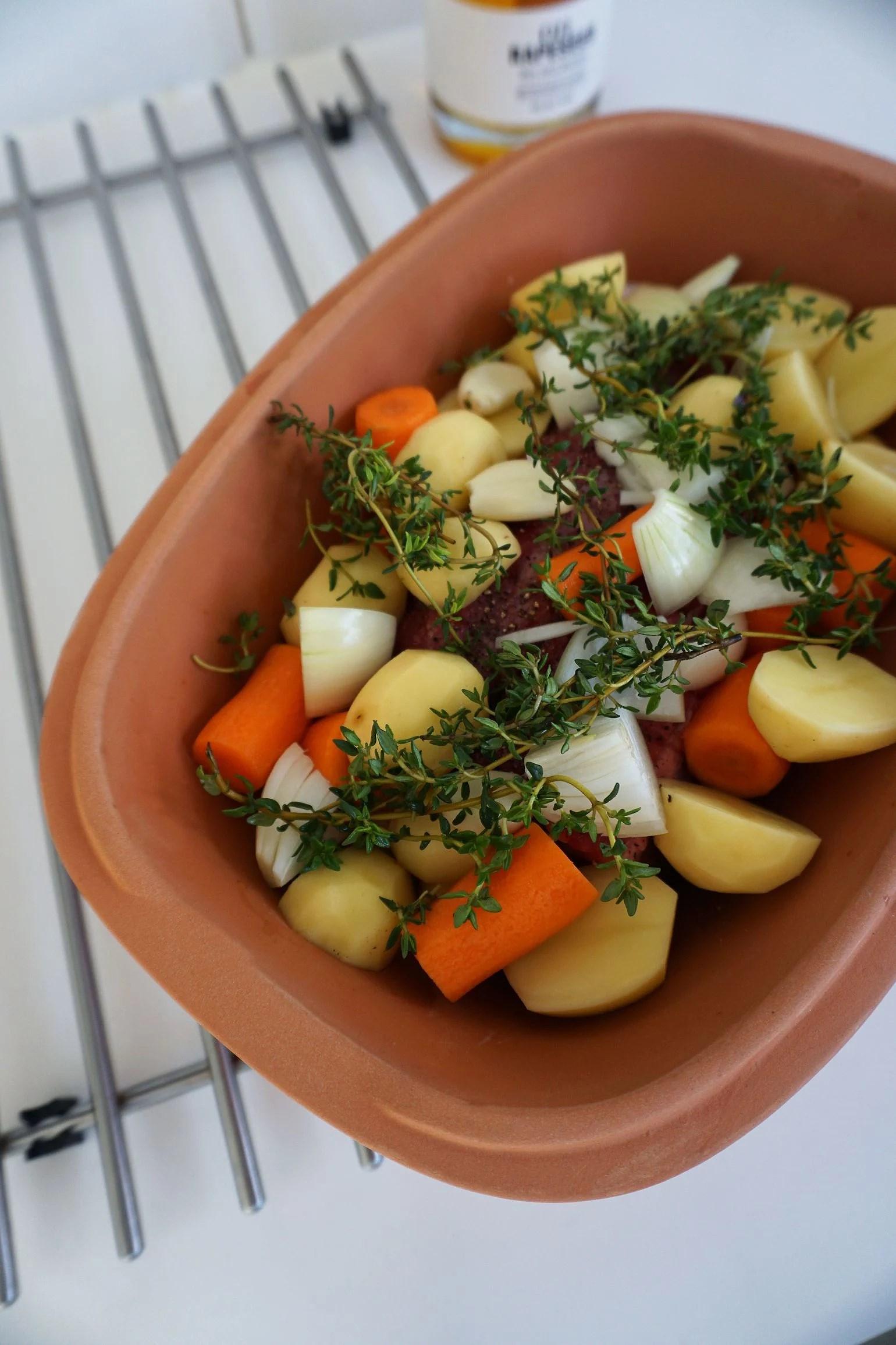 COMFORT FOOD - OKSESTEG I RÖMERTOPF