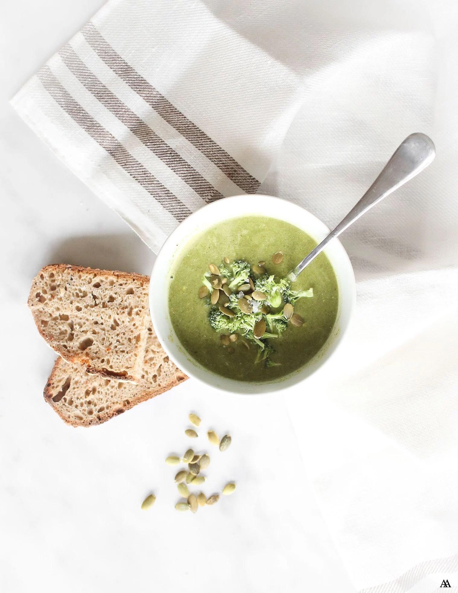 Snabb Broccoli- & Grönkålsoppa