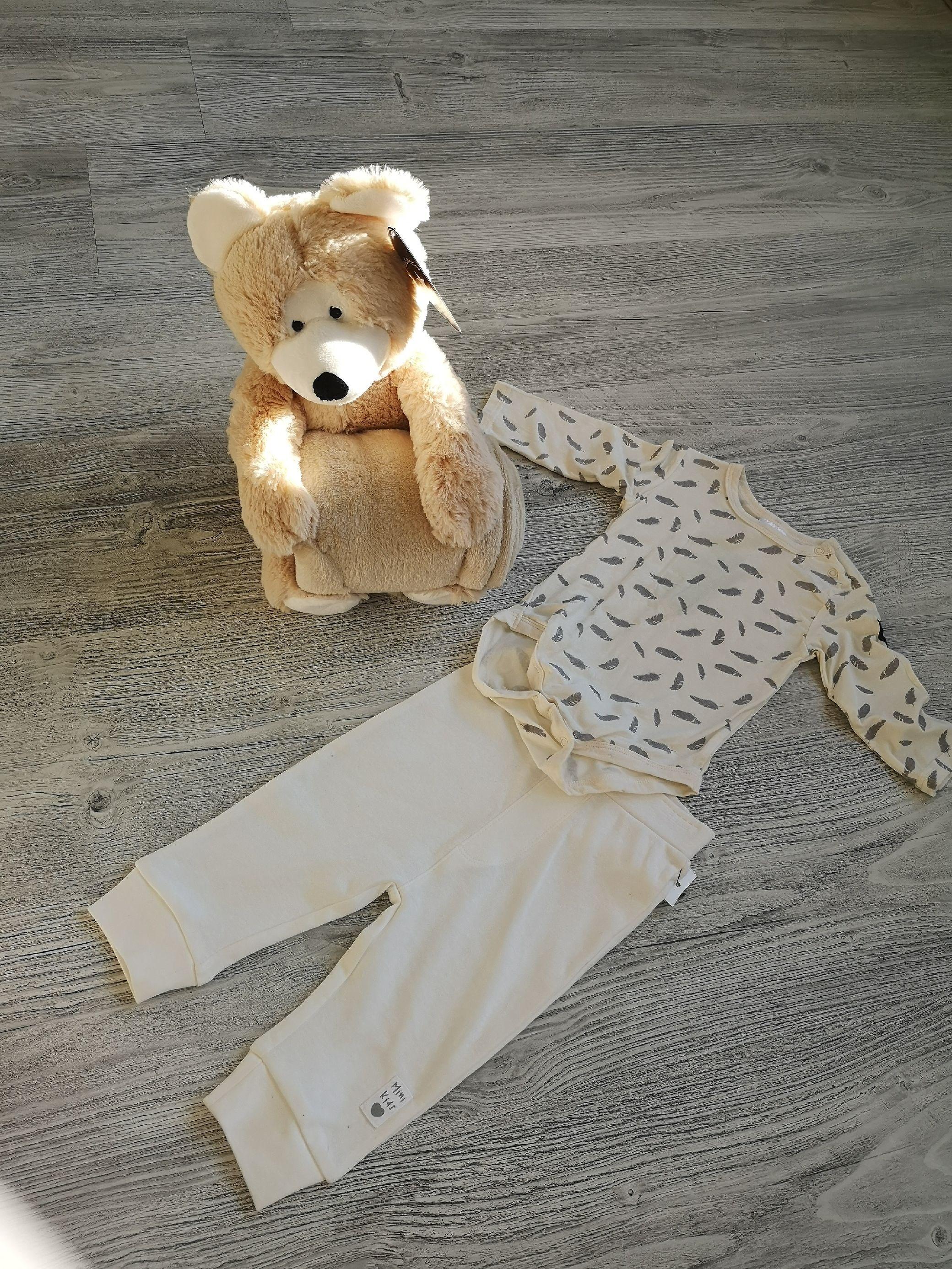 köpte bebisens första klädesplagg