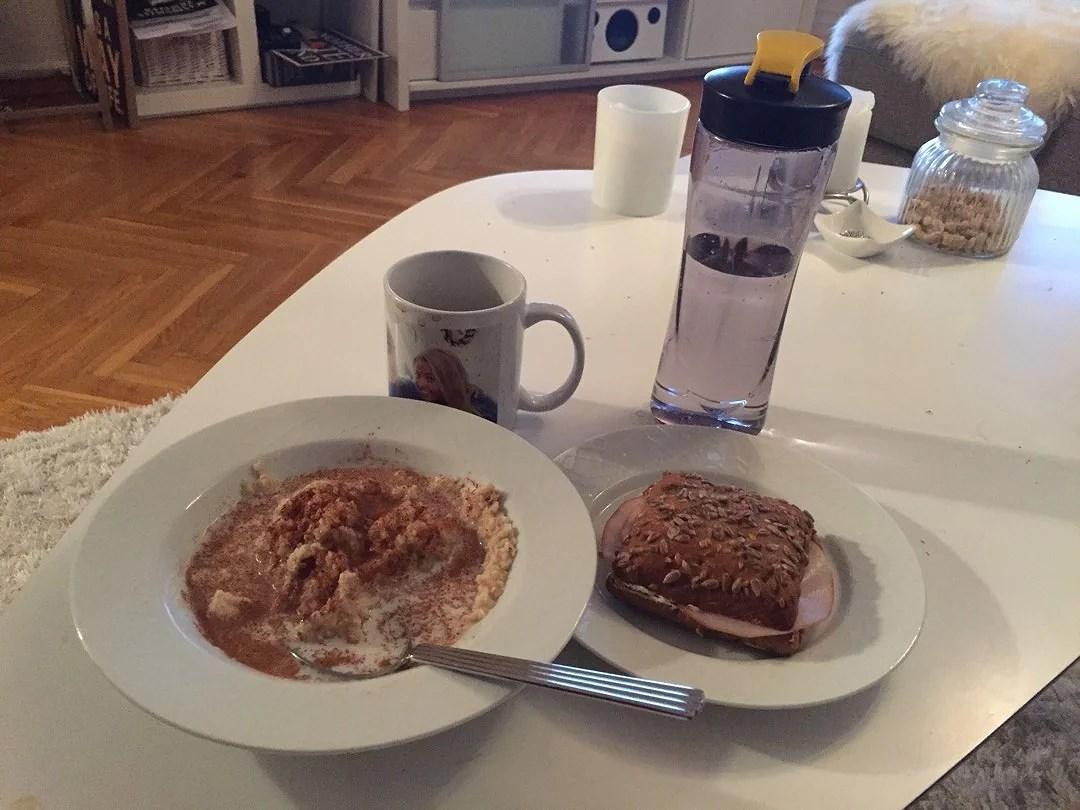 Börjar dagen med bra frukost