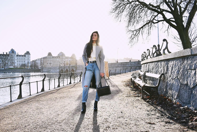 boyfriend jeans boots bag