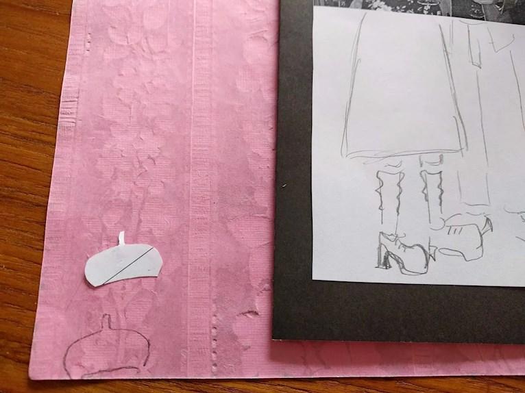 Gratis diy födelsedagskort till 90-års fest tecknade ben med rynkade strumpor och basker ska klippas ut ur rosa papper.