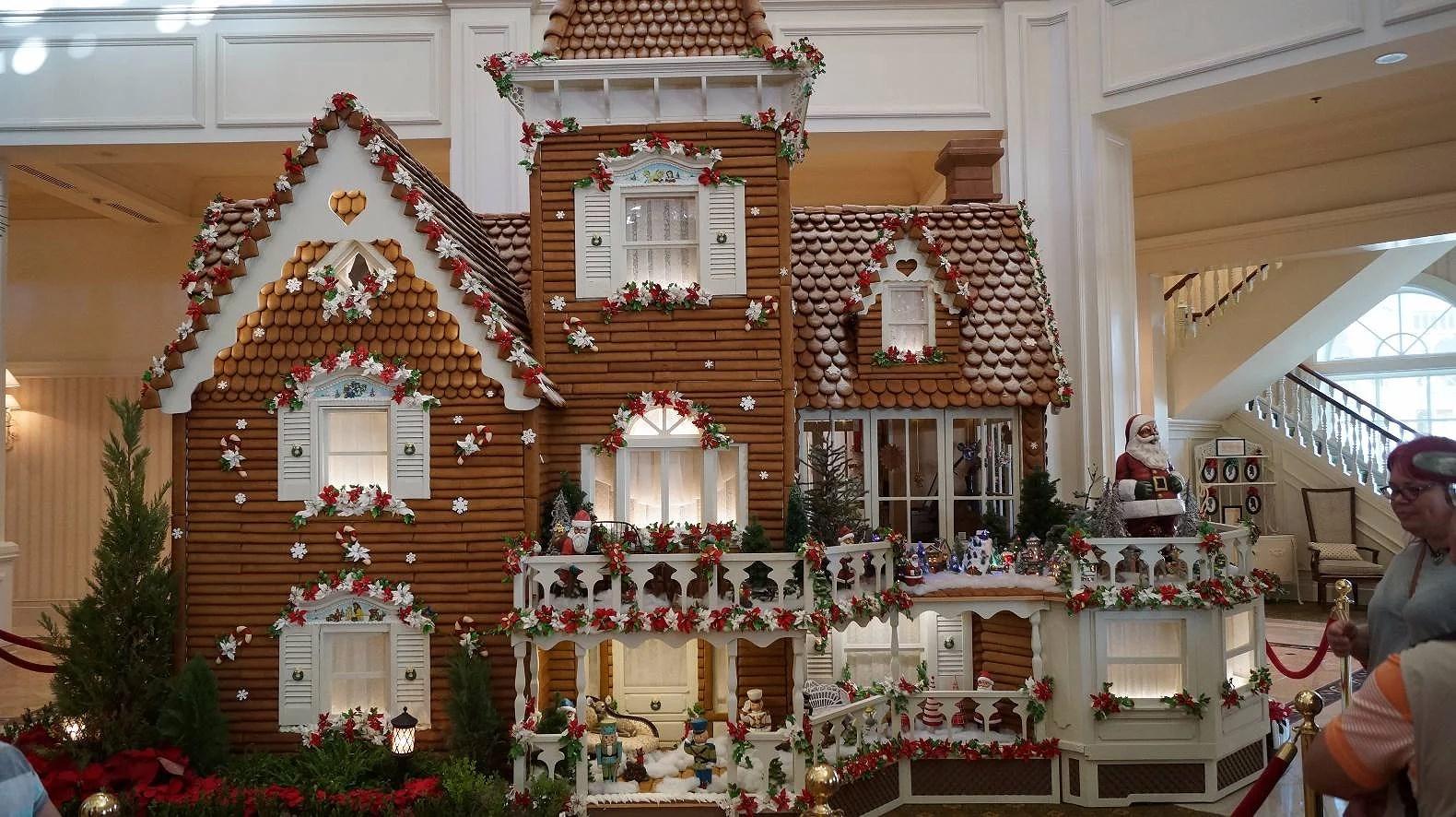 Enormt pepparkakshus på Disney's Grand Floridian