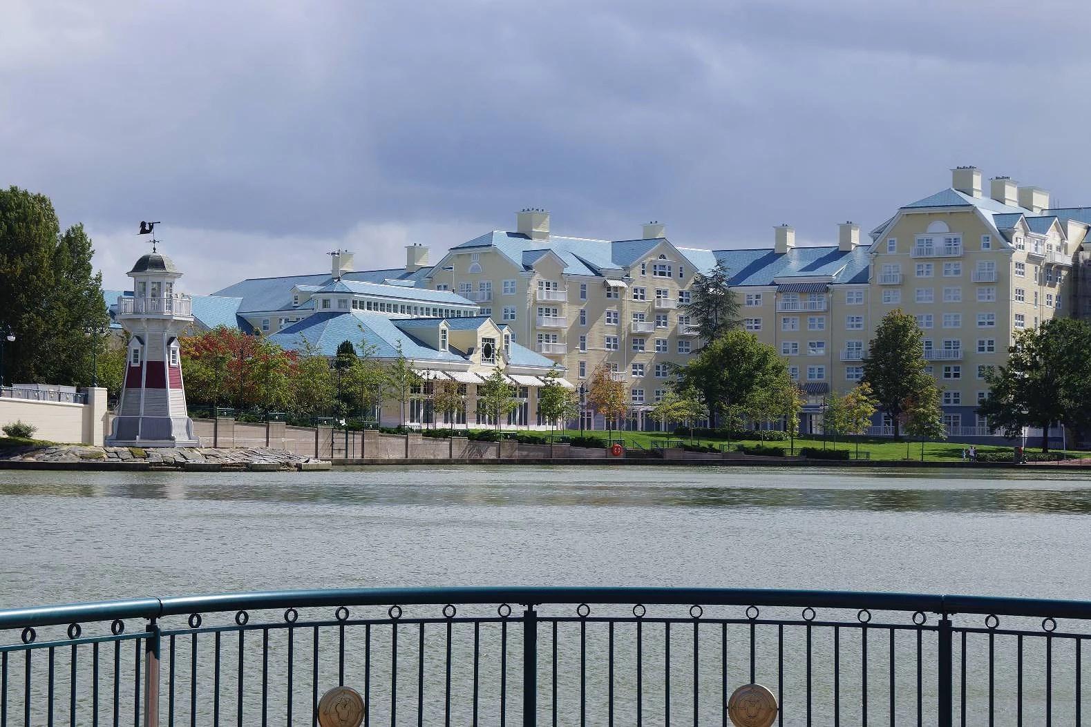 Menyer för restauranger på Disneyland Paris - hotellen (EuroDisney)