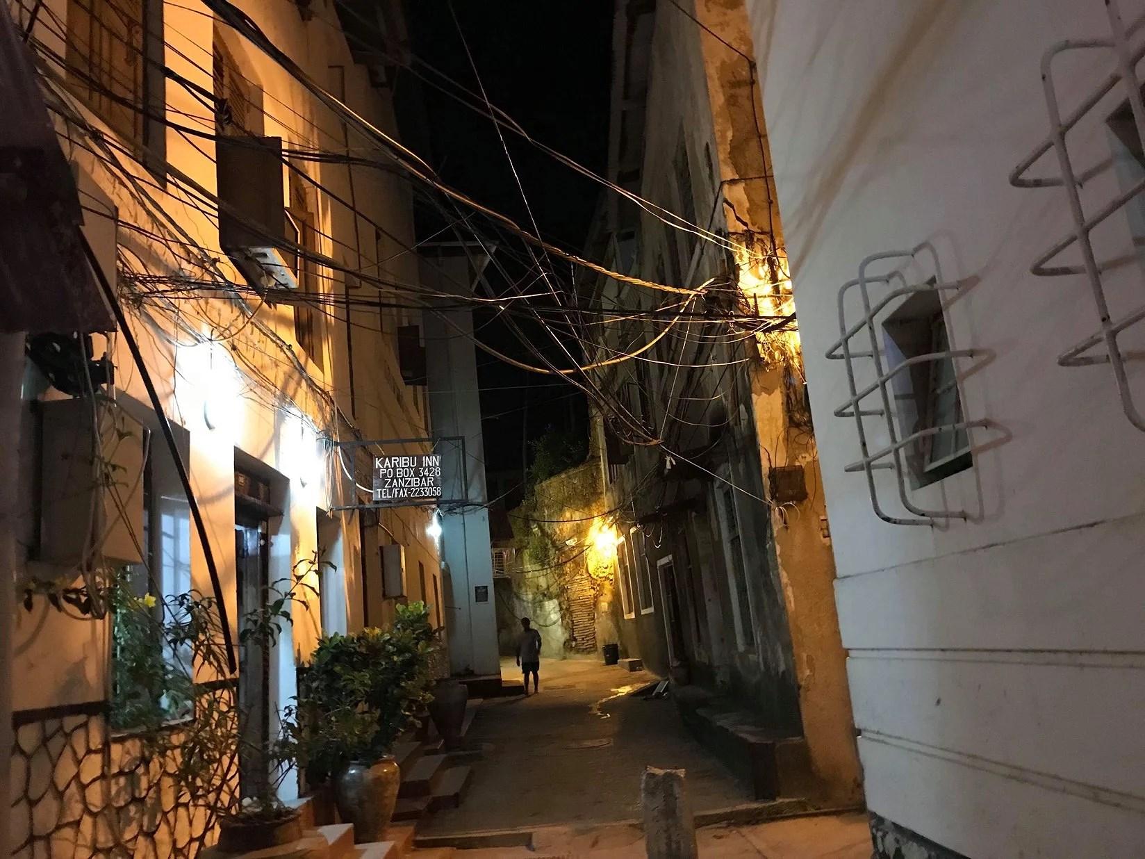 Smala gator och mycket historia i Stone Town