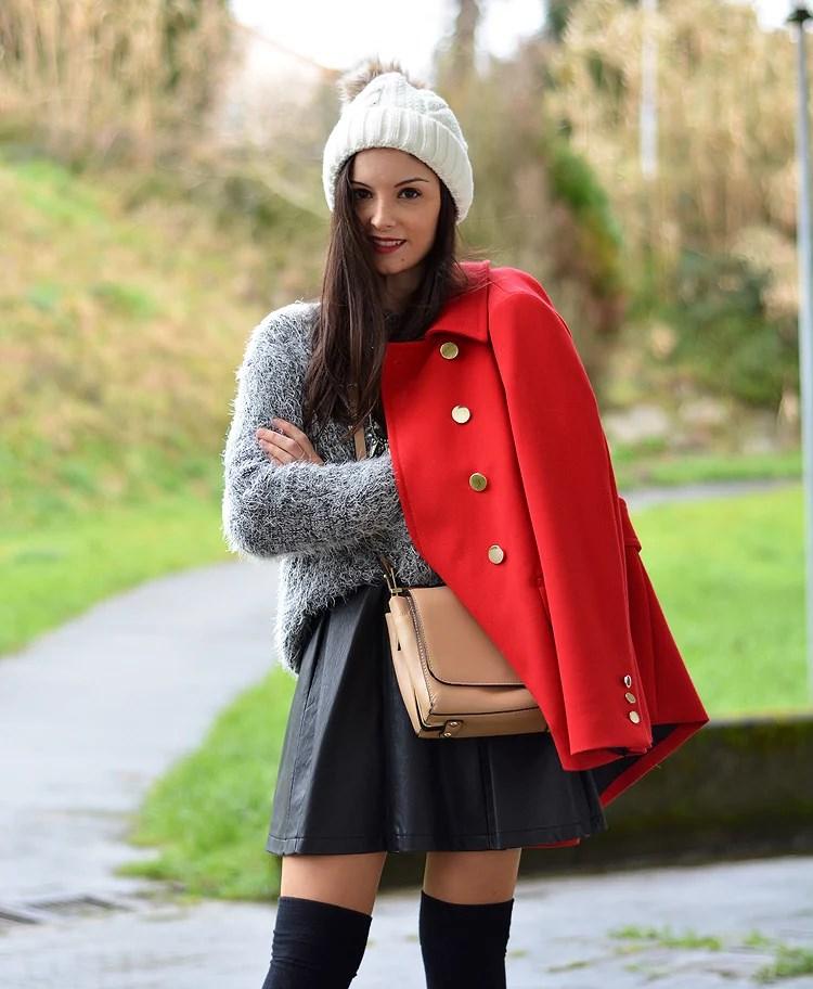 zara_beanie_ootd_red-coat_sheinside_botines_falda-cuero_03