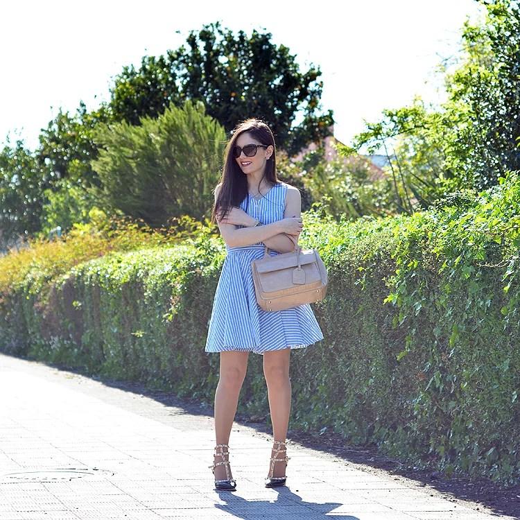 Zara_abaday_como_combinar_ootd_outfit_vestido_rayas_nude_08