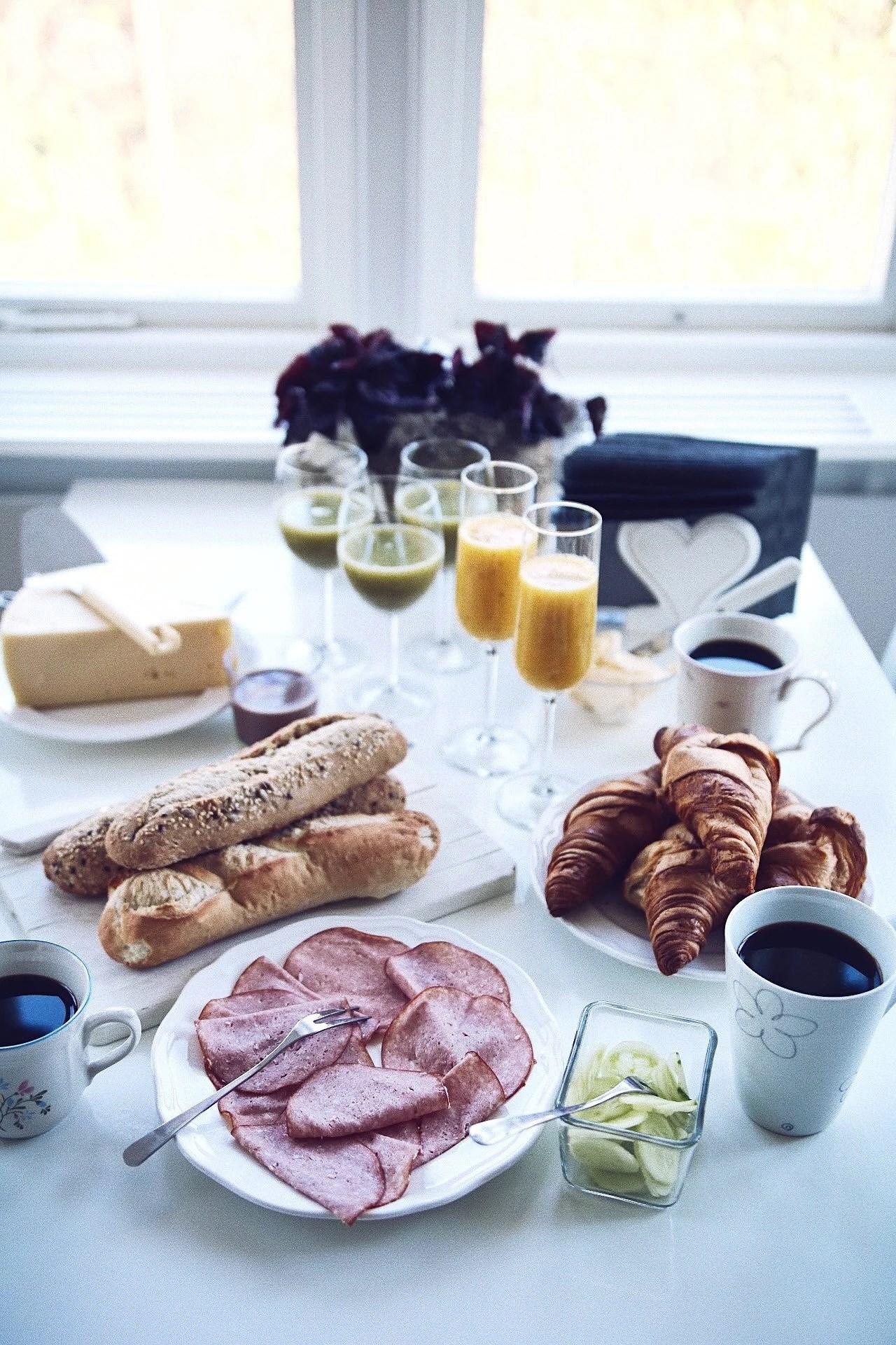 Vaknade upp efter en mardröm till en uppdukad frukost