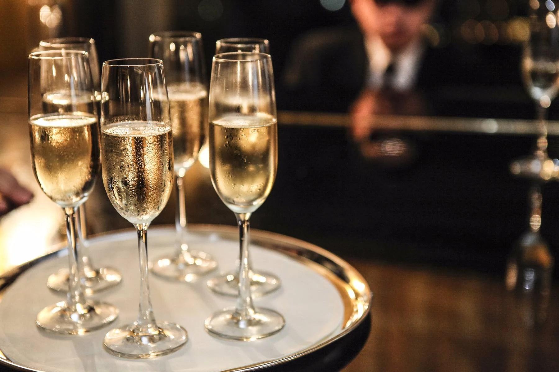 Allmänbildning: Champagne, Mousserande vin, Cava