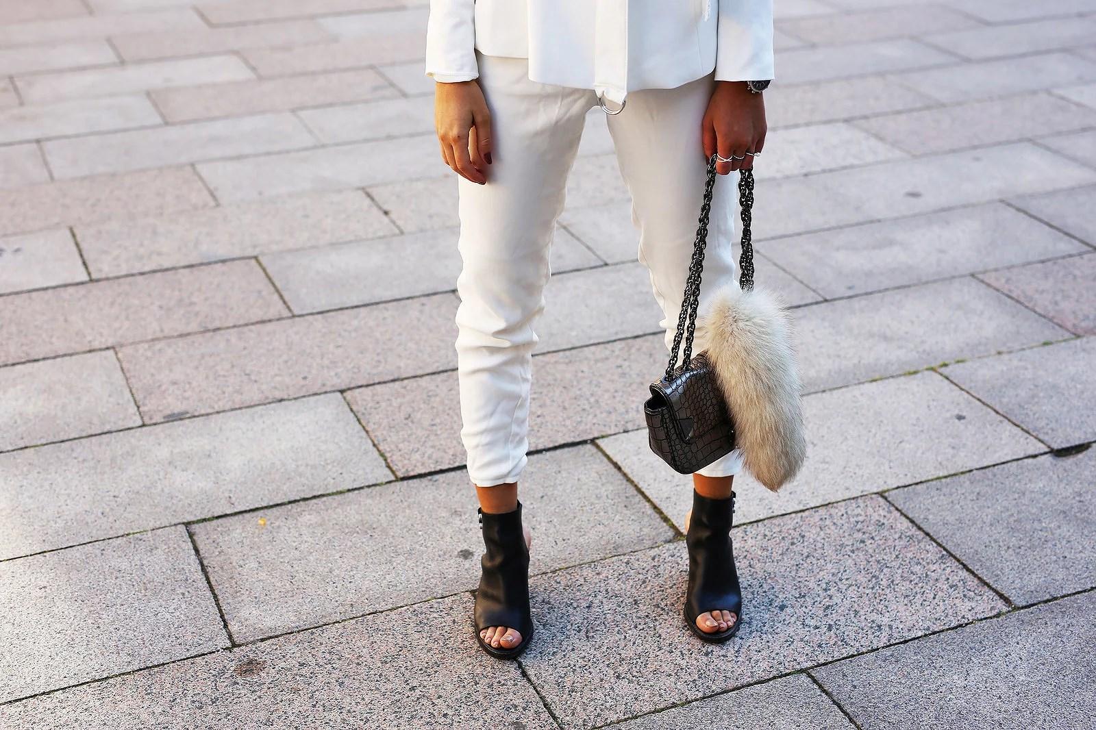 all white3