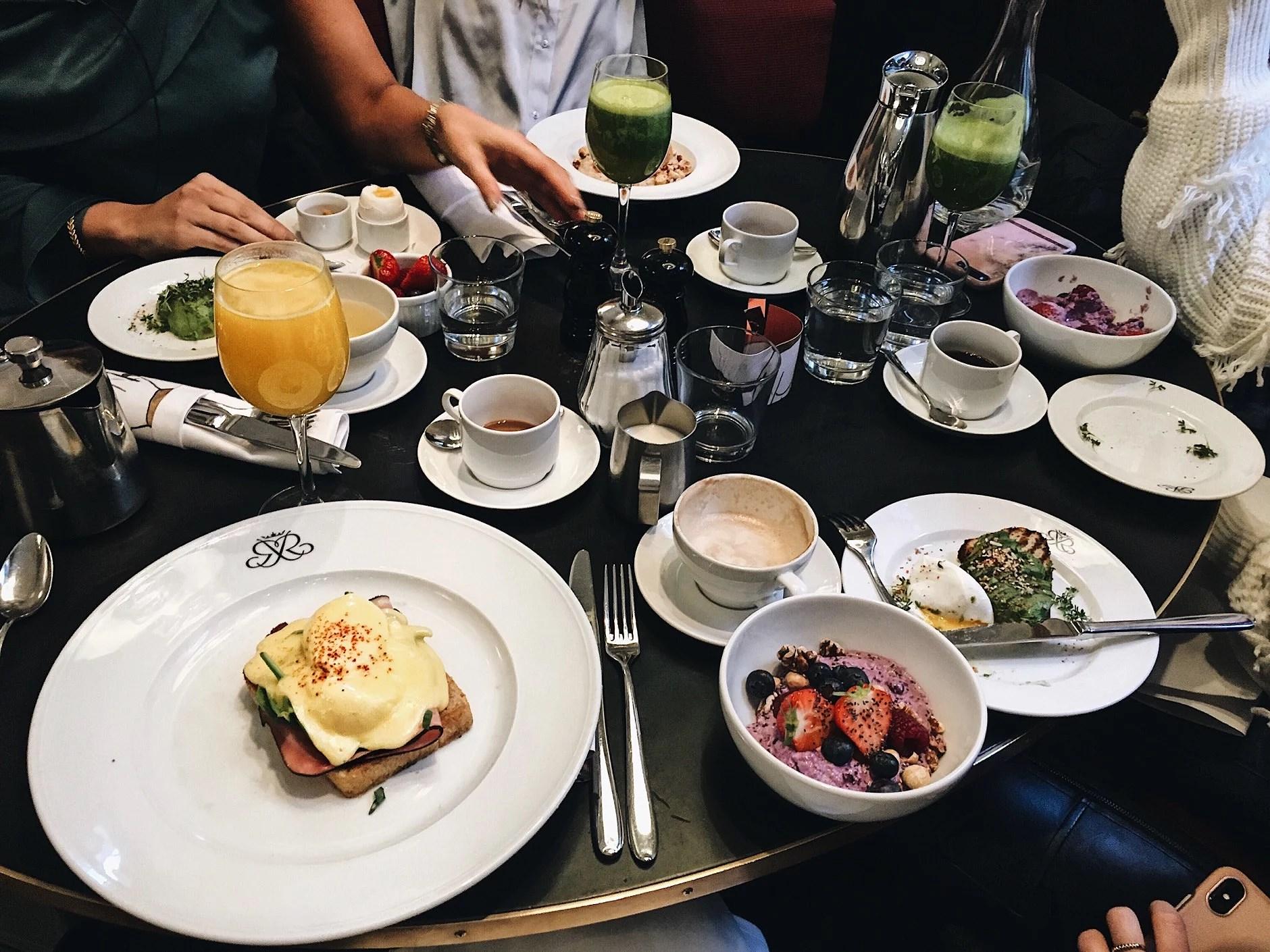 Frukost på Riche