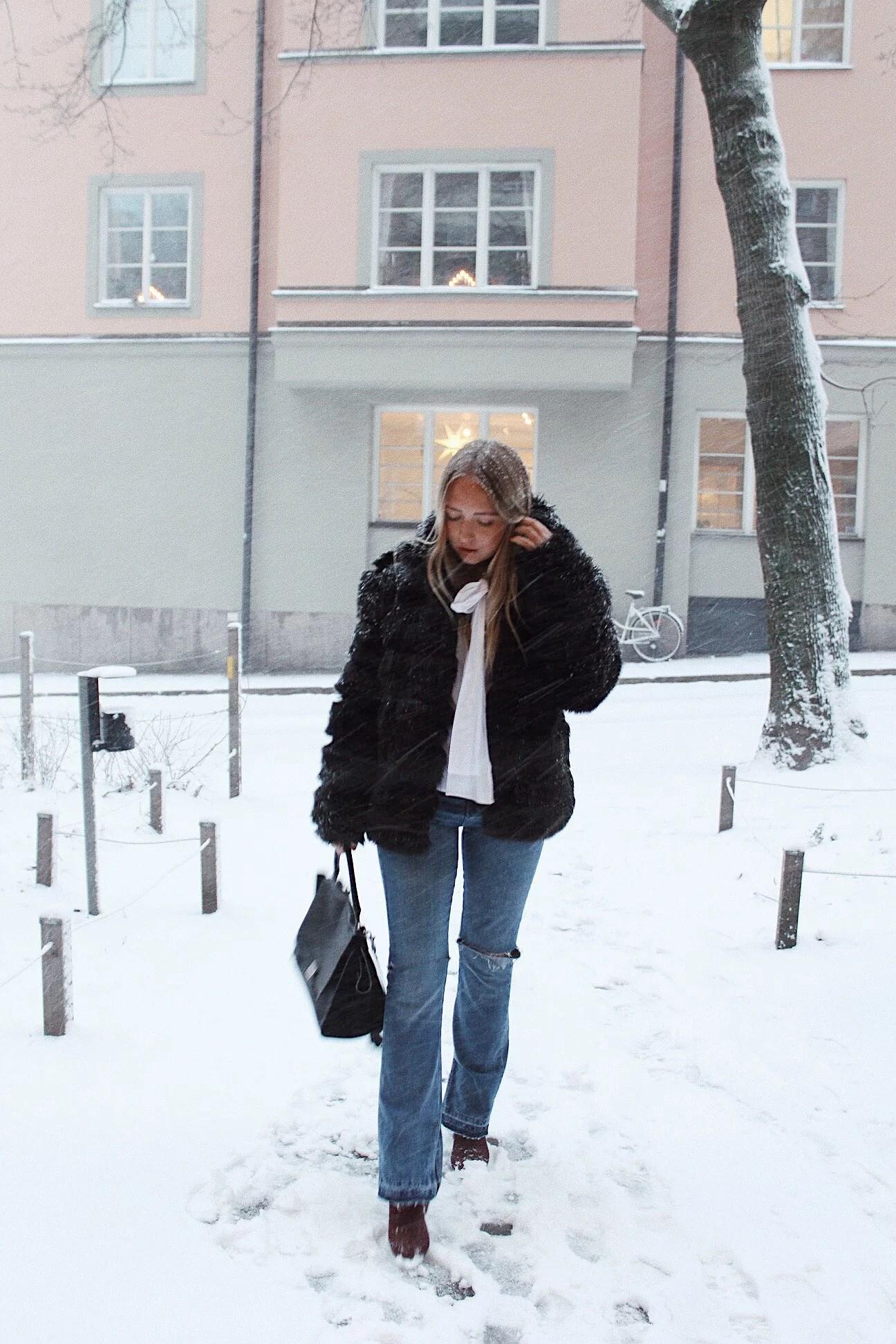 EN OUTFIT I SNÖOVÄDRET