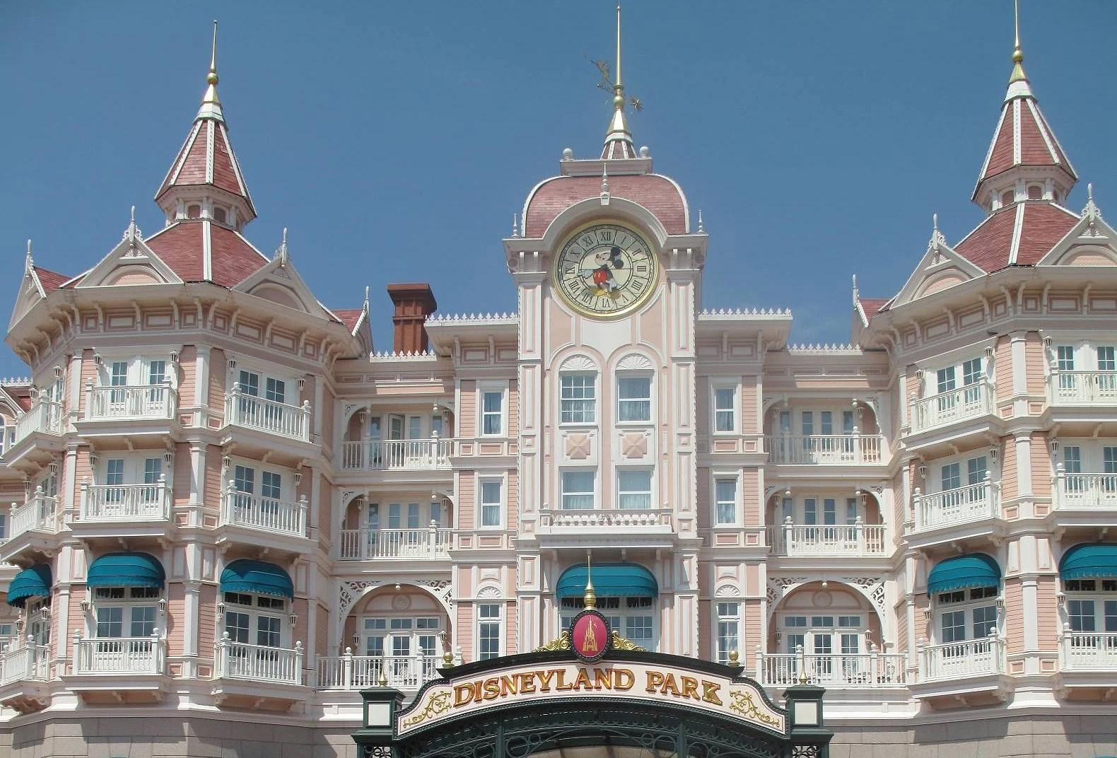 Disneyland Hotel - Deluxe hotell på Disneyland Paris (EuroDisney)