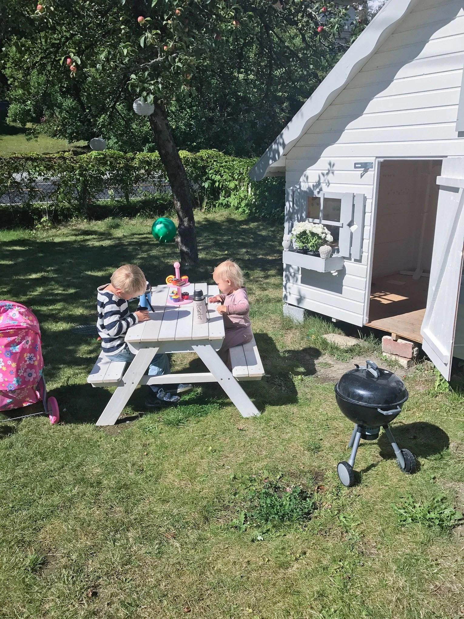 Piknik i hagen.