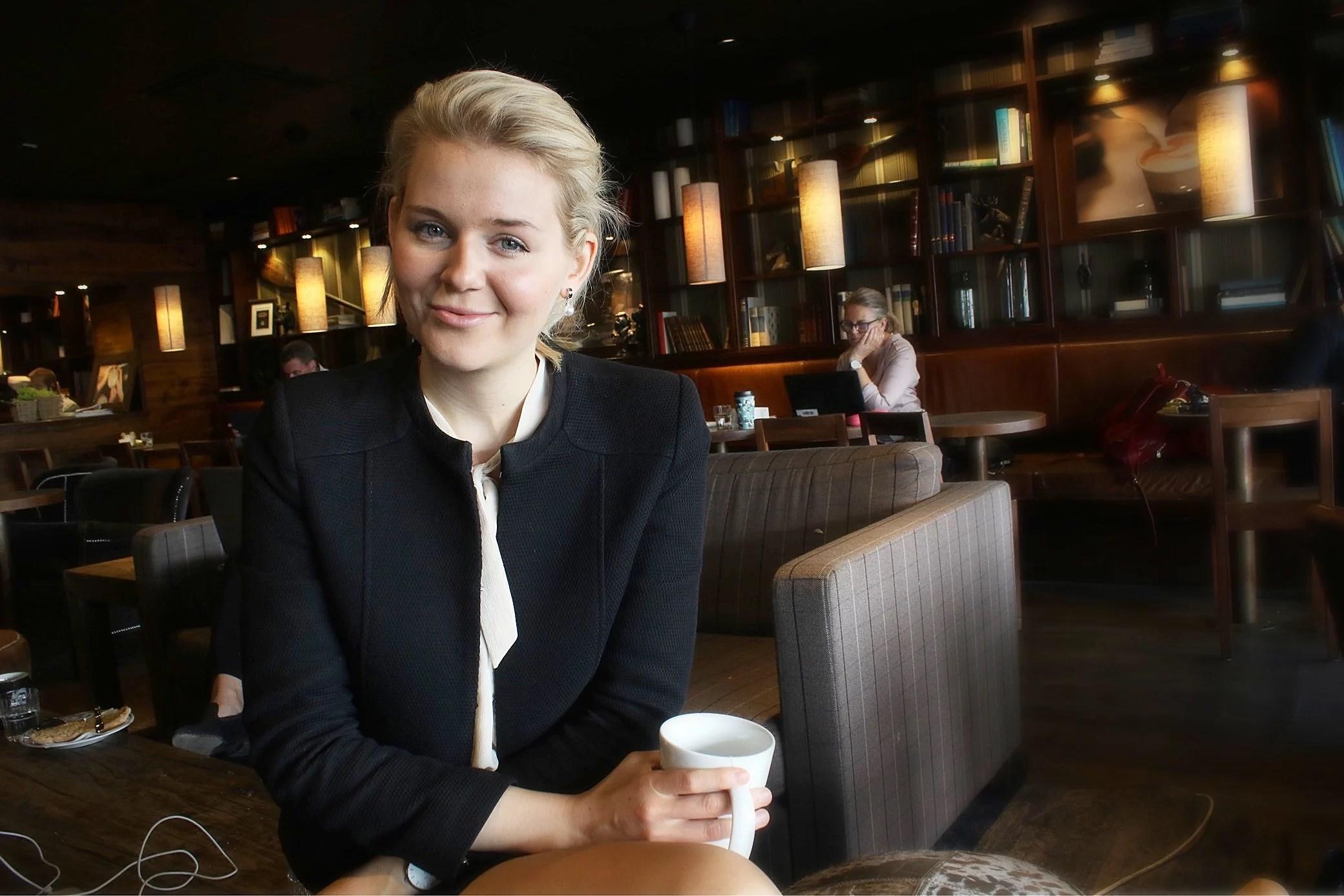 Businessprat och morgonkaffe