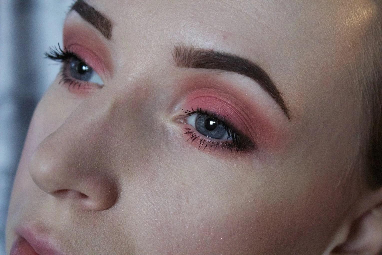 Makeup look: Pink