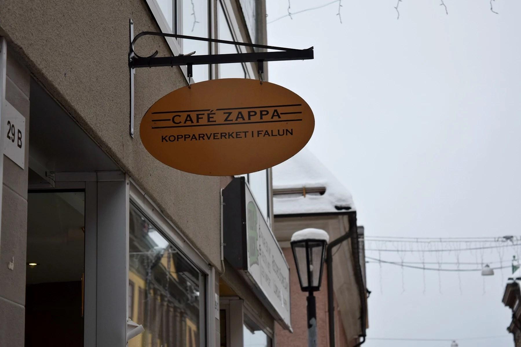 LUNCH PÅ CAFÉ ZAPPA