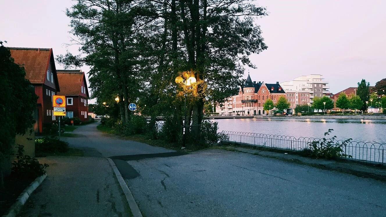 Eskilstuna at 6:48
