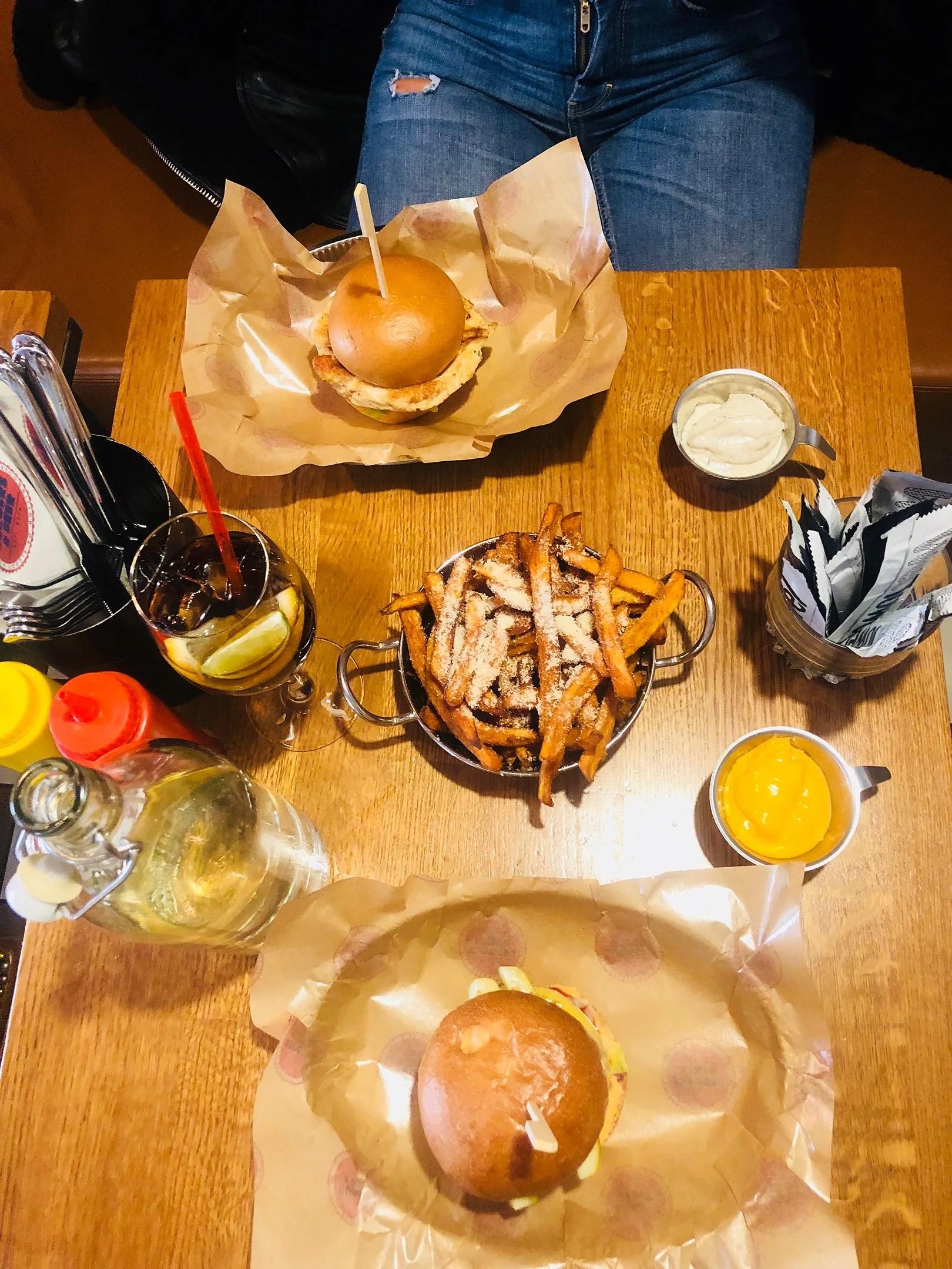 Burgers'n bears