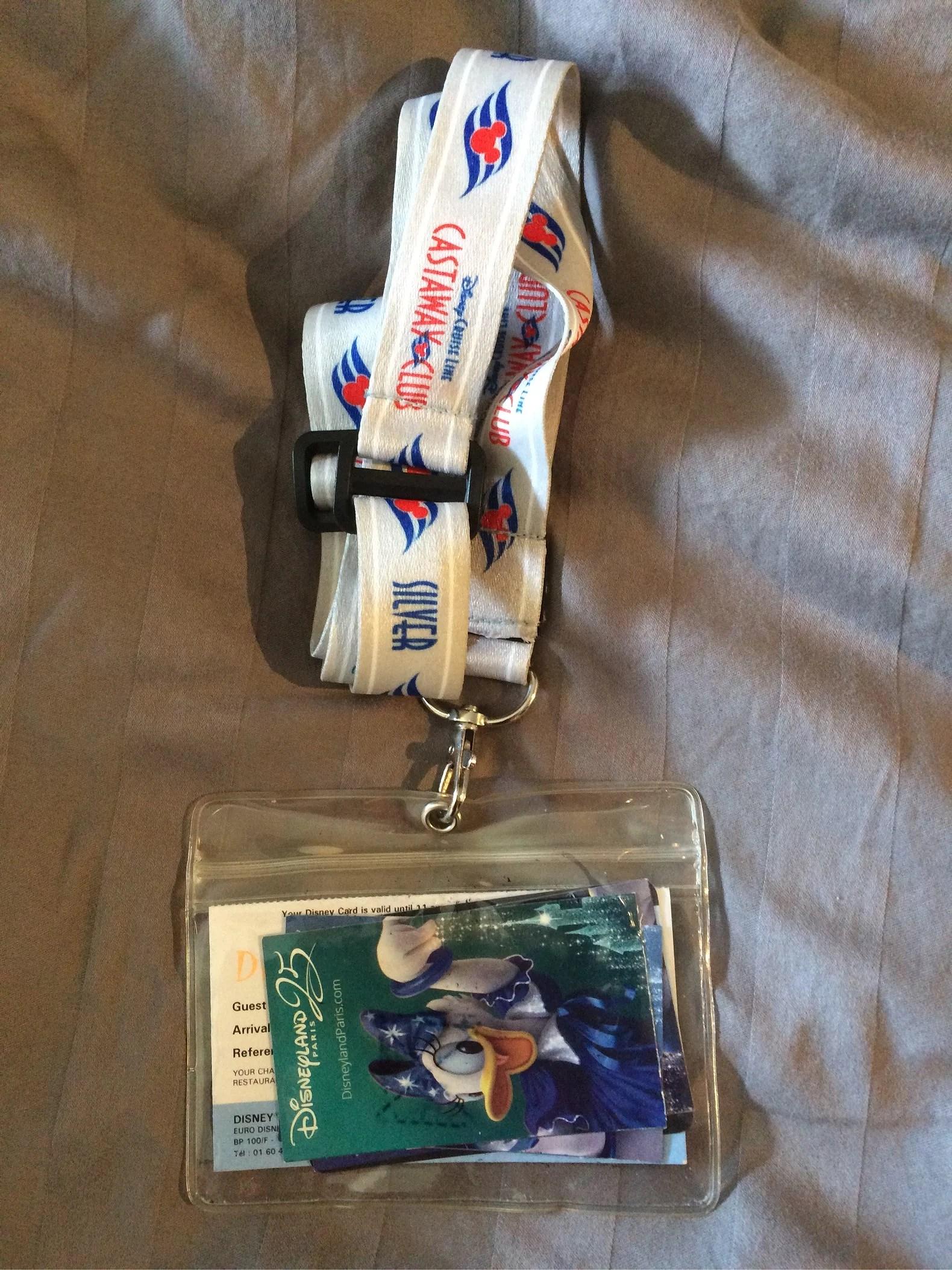 Bra att ta med till Disneyland Paris del 10 - nyckelband med plastficka (EuroDisney)