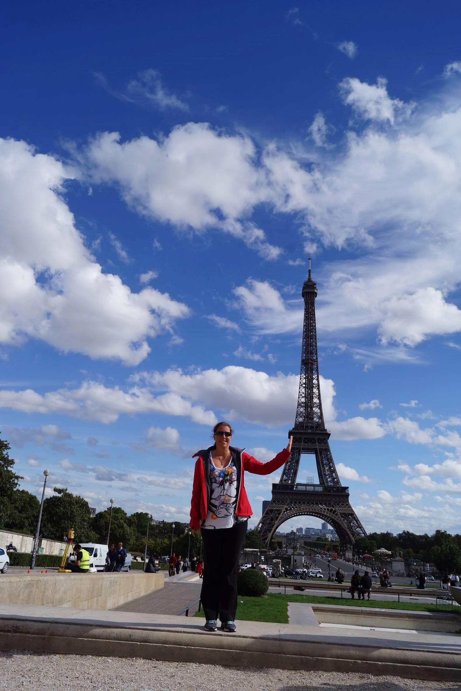 Tåg mellan Paris och Disneyland Paris. Ta tåget från Paris till Disneyland Paris.