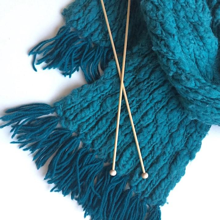 DIY. julkapp. Gör dina egna julklappar. presenter. halsduk sticka