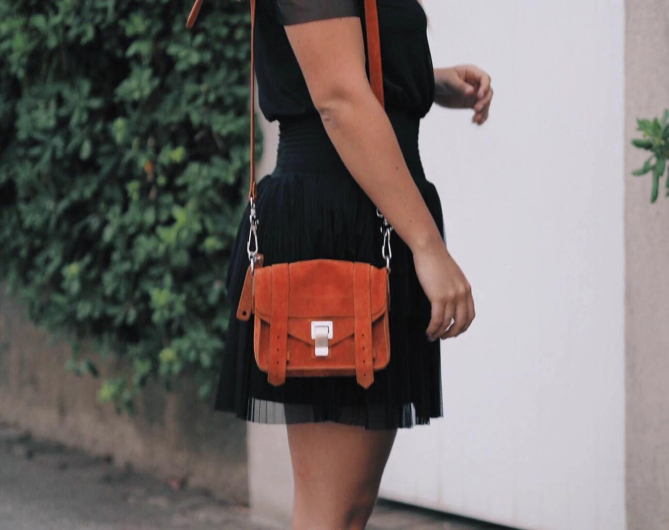 Black dress in Port Grimaud