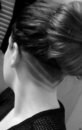 rakad nacke långt hår