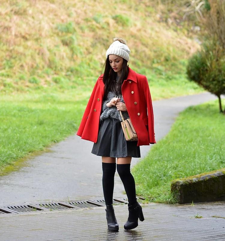 zara_beanie_ootd_red-coat_sheinside_botines_falda-cuero_05