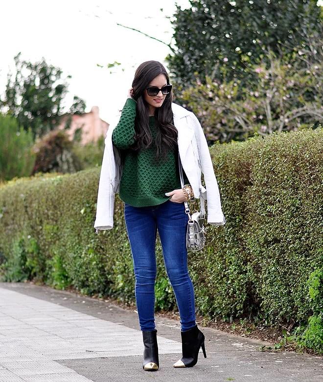 Green Sweater_05