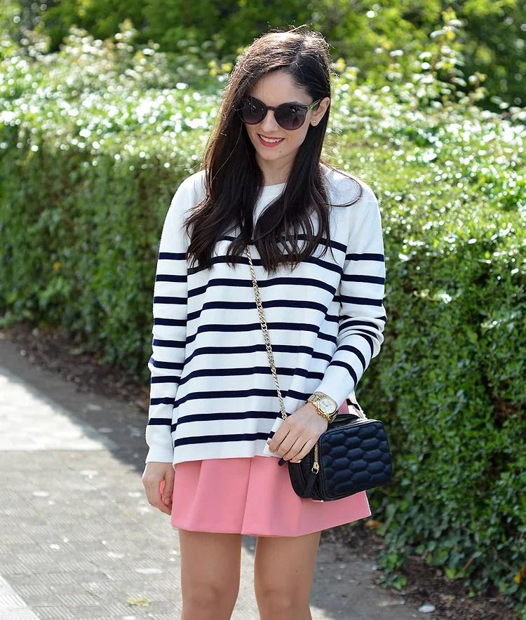 zara_ootd_outfot_navy_stripes_shorts_botas_como_combinar_06