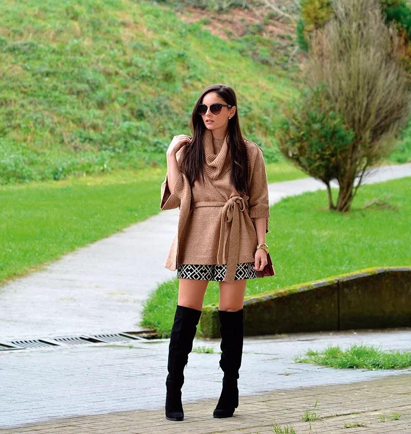 zara_hym_poncho_shorts_high_boots_camel_burdeos_04
